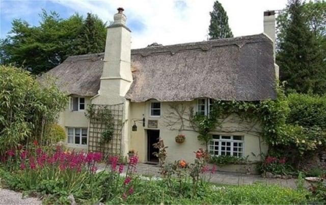 Cob cottage in Devon, England
